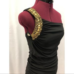 ❤️One shoulder black dress with gold beading
